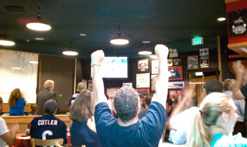 Dave cheers a Bears TD