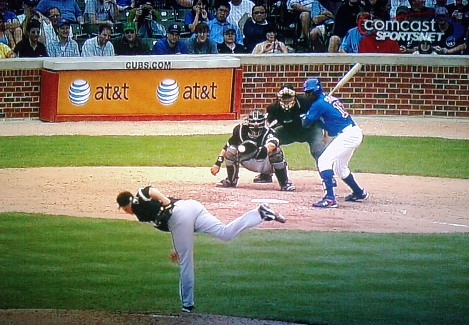Soriano takes a pitch outside